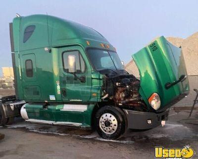 2012 Freightliner Cascadia Sleeper Cab Semi Truck Cummins ISX