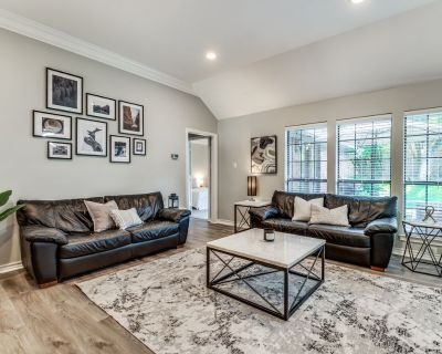 Family-friendly 4BR House w/ Patio & Grill Close to Everything! - Fort Worth