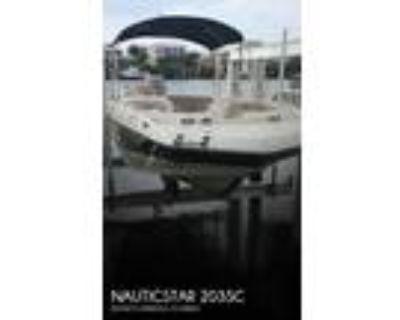 20 foot NauticStar 203sc