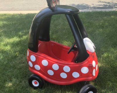 Minnie Mouse decorated cozy coupe