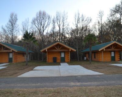 Luxurious Romantic Log Cabin North of Shreveport - Shreveport