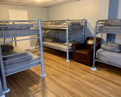 YAMAHA Hostel - Jonesboro