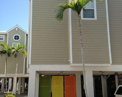 Lovely Furnished Home in Oceanfront Community W/shared Boat Docks, Pool & Beac - Cudjoe Key