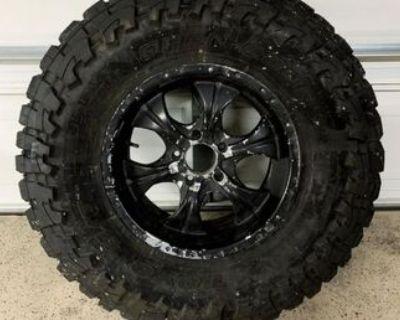 1 NEW Toyo MT 37x13.5R18 LT Tire and wheel (5x5 Lug)