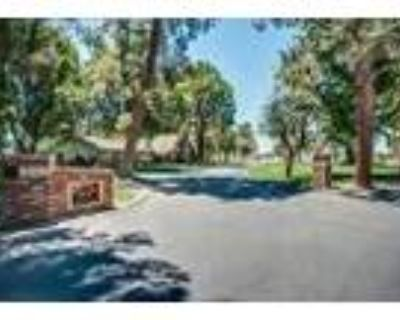 3 Acres With-Pool-Guest House - RealBiz360 Virtual Tour