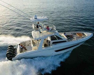 2022 Boston Whaler 420OR