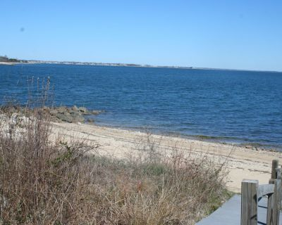 Beach Front Rental - 'Perfect when Your Stay is Longer ' - Nonquitt