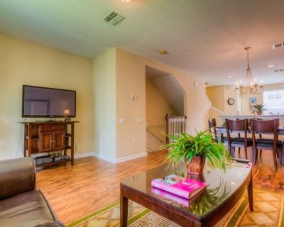 Gorgeous townhome will provide the setting for the vacation of your dreams - Orlando