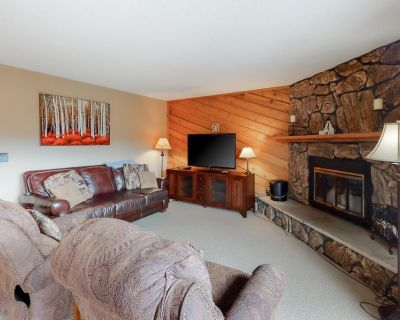 Ideally Located Condo w/ Easy Shuttle Access & Shared Hot Tub - Walk Downtown! - Winter Park