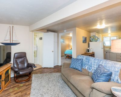 Cozy oceanfront cottage w/ patio & great beach access! - Cayucos