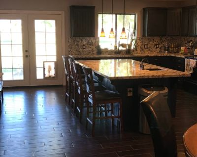 Private room with own bathroom - Queen Creek , AZ 85142