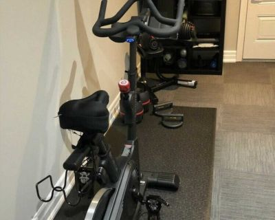 """Echelon Ex7s Smart Connect Bike with 21.5"""" Console"""