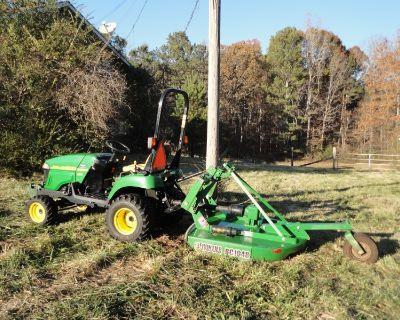 John Deere 2305 Compact Utility Tractor - 48.5 hours