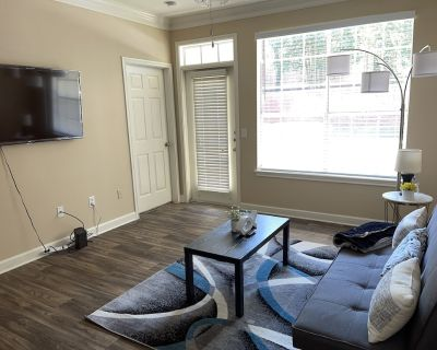 Cozy House of Blues 1BR Uptown Apartment - Uptown