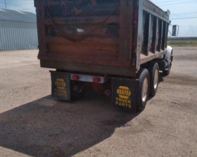 1995 4900 international dump truck