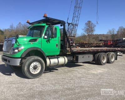 2013 International 7500 6x4 T/A Rollback Truck