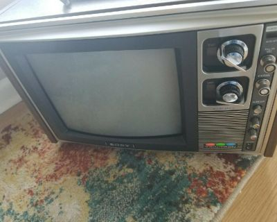 Vintage Color TV wanted.