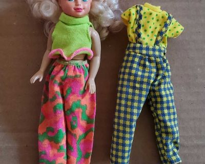 """7.5"""" Doll with extra outfit"""