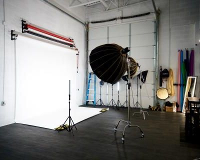 Spacious Photography / Film studio with Garage Door Access (G2) EXTRA WIDE SEAMLESS, Fort Washington, MD