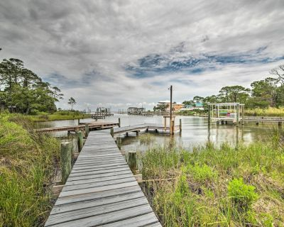 New! Breezy St George Island House w/ Private Dock - Plantation