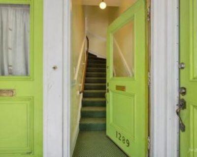 Noe St, San Francisco, CA 94114 2 Bedroom Apartment