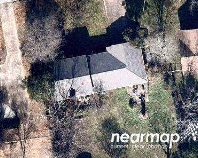 2.5 Bath Preforeclosure Property in Huntsville, AL 35802 - Mallard Rd SW