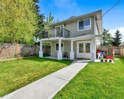 2919 Doncaster Drive, Victoria, BC V8T 3B3 2 Bedroom Apartment