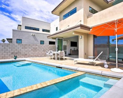 NEW! Sleek Townhome w/ Private Pool, Gym, & More! - Palm Springs