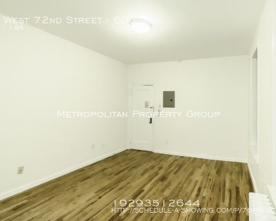 Gigantic one bedroom - fits King Size Bed - NO FEE!