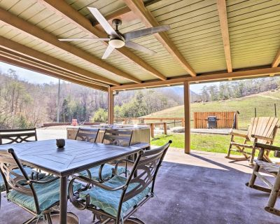 NEW! Expansive Ranch Home w/ Mtn Views & Game Room - Sevierville