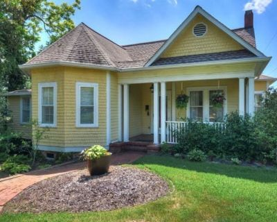Aiken downtown Historic renovated Cottage ~ 1/2 Block To The Wilcox hotel - Aiken