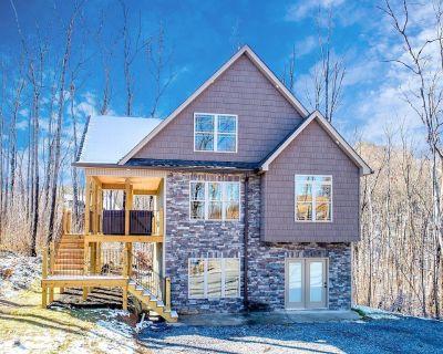 BRAND NEW luxury cabin in Gatlinburg! - Chalet Village North