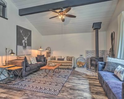 NEW! Chic & Modern Cabin Escape by Pinecrest Lake - Cold Springs