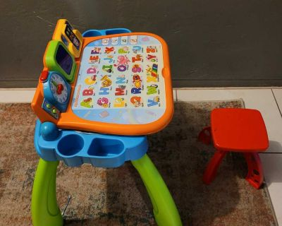 VTECH ACTIVITY TABLE AND BABY CHAIR WITH 2 EDUCATIONAL SHEETS