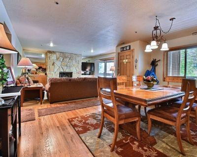 BEAUTIFULLY FURNISHED UPSCALE 3BD/3B CONDO STEPS FROM PARK CITY MOUNTAIN - Downtown Park City