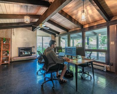 Near Downtown and the Mountains - WFH Equipped - Old North Boulder
