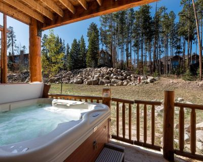 Perfect Mtn Townhome w/ Amenities | Expansive Views | Hot Tub & Decks - Winter Park