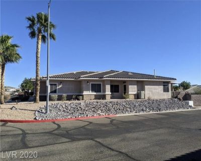 Luxurious single story 3 bedroom, 2 bath Townhome - Laughlin
