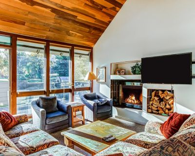 Cozy chalet w/ private patio - close to Silver Star Ski Lift - Downtown Park City