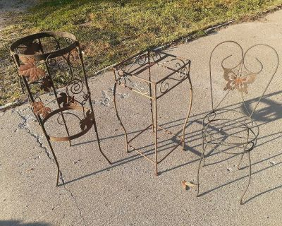 Metal plant stands x3