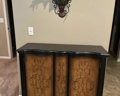 Accent cabinet/tv cabinet