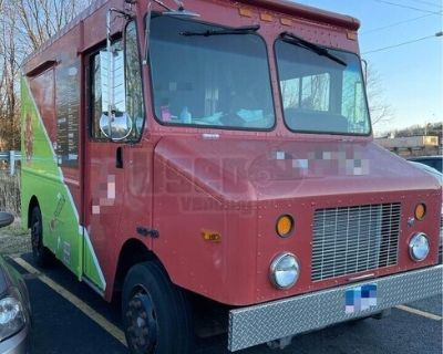 2004 Freightliner Diesel Step Van Pizza Truck / Pizzeria on Wheels