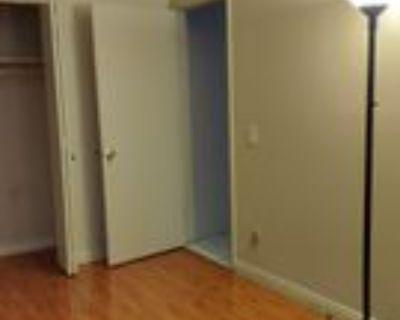422 North Whitnall Highway, Burbank, CA 91505 Room