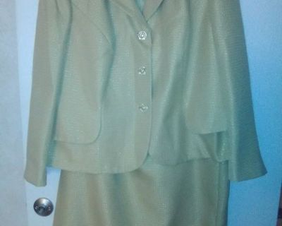 2 Piece Gold Woman Suit Size 20W