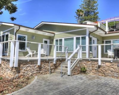 OCEAN FRONT, MORRO ROCK VIEWS ~ Salty Sister a B I G Beach House - Morro Bay