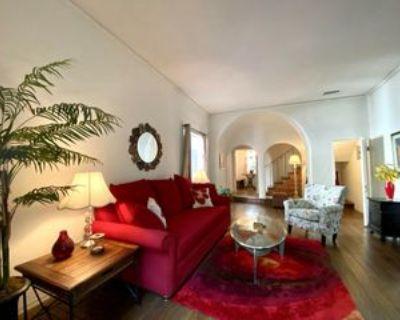 2000 North Highland Avenue #14, Los Angeles, CA 90068 2 Bedroom House