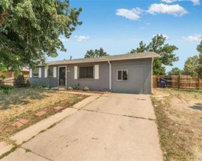 5552 Xanadu St, Denver, CO 80239 3 Bedroom Apartment