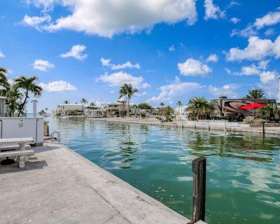 Canal-front Home W/dock, Resort-style Amenities, Patio, & High-speed Wifi - Cudjoe Key