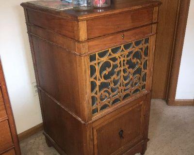 Berthoud antiques, vintage, crafting, down-sizing sale