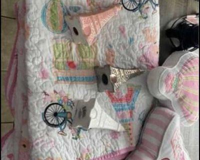 Paris bedroom decor & twin quilt set!